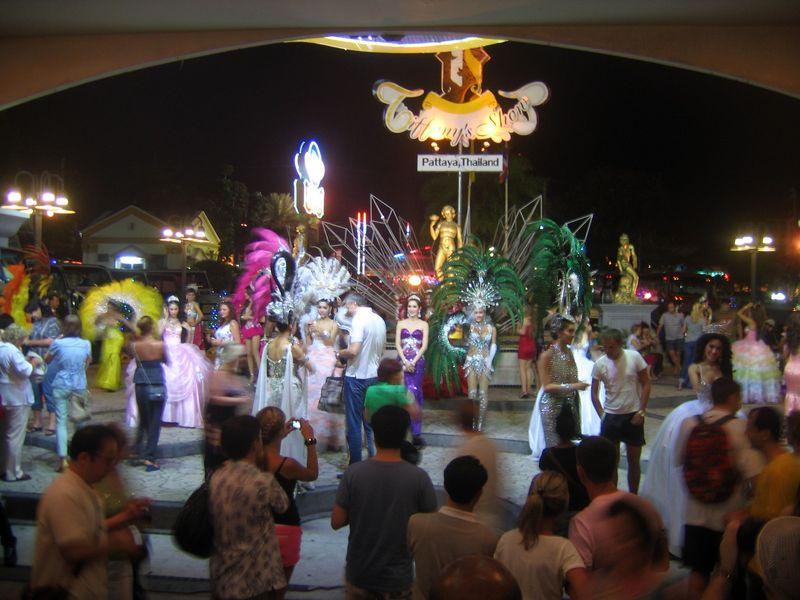 Шоу трансвеститов в Таиланде
